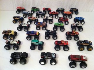 HOT WHEELS MONSTER JAM TRUCK LOT OF 29 TRUCKS GRAVE DIGGER PREDATOR