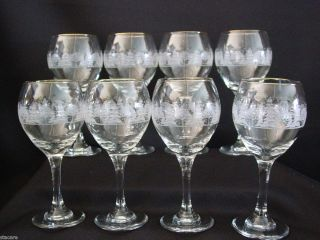 Winter Scene Holiday 7 3 4 in Wine Glasses Goblets MINT GOLD RIMS