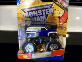2012 Hot Wheels MONSTER JAM Grave Digger The Legend Monster Truck *HTF