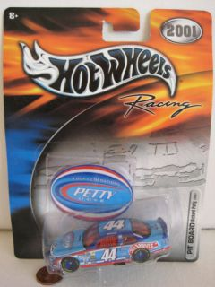 Hot Wheels Racing 2001 NASCAR Richard Petty 44 New