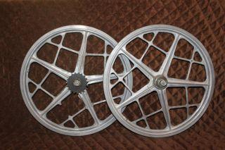 Oldschool Moto mag II Wheels 20 metal BMX Mongoose pair Bendix 76