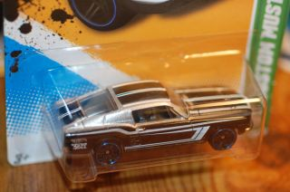 2012 Hot Wheels 67 Custom Mustang   Treasure Hunt   1967 Ford Mustang