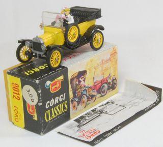 9012 Classics 1915 Model T Ford Yellow Wheels Yellow Body MIB