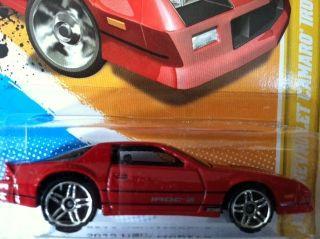 2012 Hot Wheels 1985 Chevy Camaro IROC Z