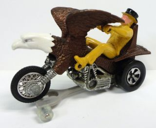 1972 Hot Wheels Rrrumblers Bold Eagle Brown with Track Stand