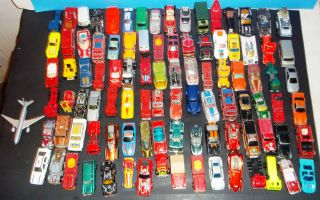 HUGE 96 TOY CAR LOT MATCHBOX JOHNNY LIGHTNING HOT WHEELS CORGI RACING