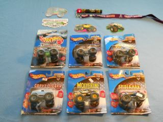 LOT HOT WHEELS MONSTER JAM VEHICLES NEW IN BOX 4 STICKERS BLINKING
