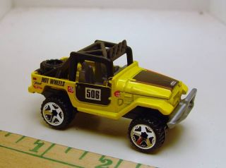 Hot Wheels Toyota FJ40 Land Cruiser Classic 4x4 Rock Crawler