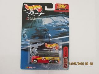 Hot Wheels 2000 RACING RV SERIES MCDONALDS #97 AND COLLECTOR CARD CARS