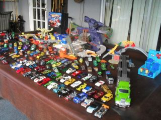 Huge Lot 160 Hot Wheels Matchbox Cars Storage Case Playsets Hauler