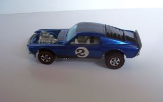 1968 Redline Hotwheels Blue Boss Hoss Club Car with White Interior 2