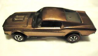 Gold Hot Wheels Custom Mustang 1968 in Great Condition